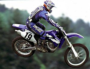yz400f action 2